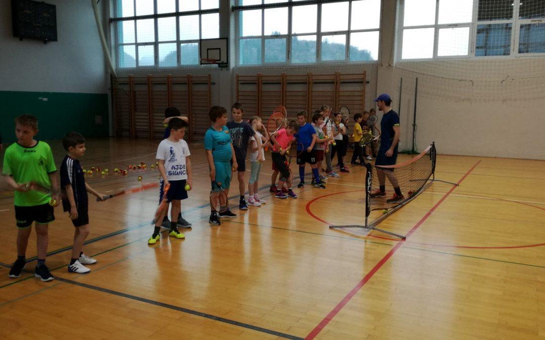Šola tenisa na OŠ Boštanj