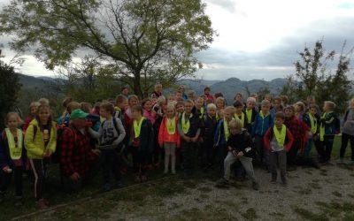 Športni dan 1. triletja: ogled Dolinškovega kozolca in pohod na Razbor